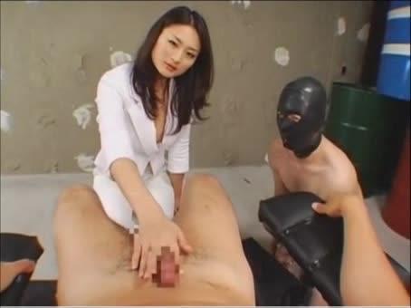 【竹内紗里奈】艶めかしい誘惑にゾクゾクするような淫語連発する痴女